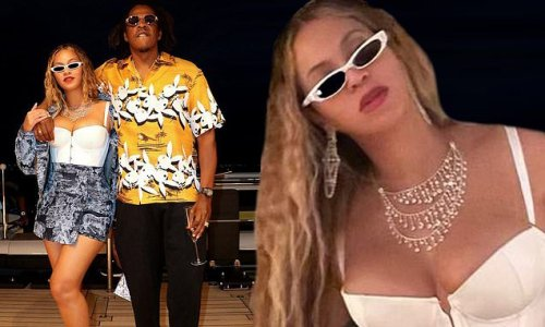 Beyonce spends time with her husband Jay-Z in a series of photosets