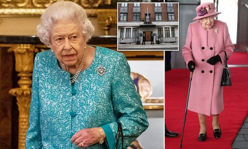 Queen, 95, 'faces fight between her head and body', says royal expert