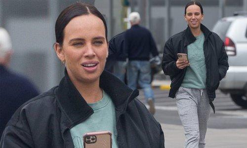SAS Australia: Bonnie Anderson visits Bunnings in Melbourne
