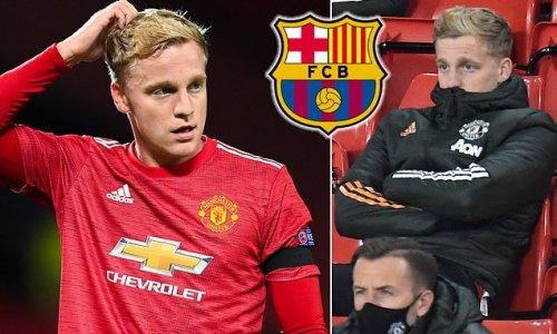 Donny van de Beek 'makes a come and get me plea to Barcelona'