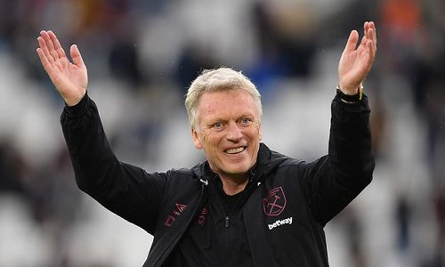 West Ham manager David Moyes signs a bumper new three-year deal