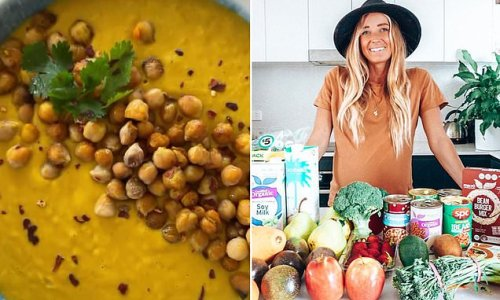 Nutritionist's simple recipe for one-tray baked pumpkin soup
