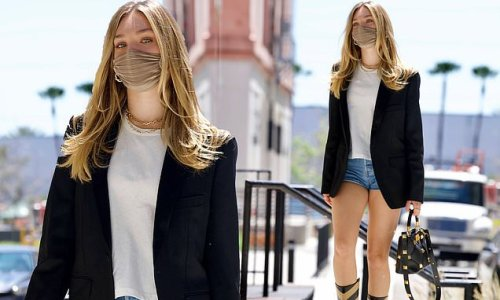Maddie Ziegler strolls to a meeting in Downtown Los Angeles