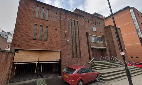 Worshippers at synagogue sickened as troll screams anti-Semitic abuse