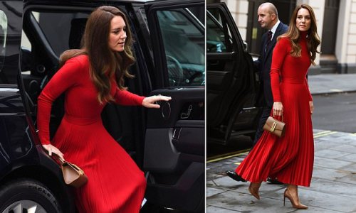 Kate Middleton joins Ant and Dec at an addiction awareness event