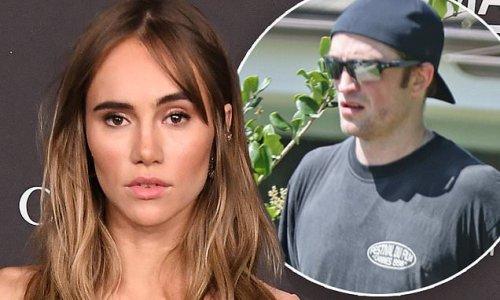Suki Waterhouse slams Gossip Girl joke about her and Robert Pattinson