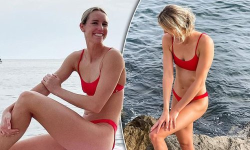 Olympic swimmer Emma McKeon shows off her figure in a string bikini