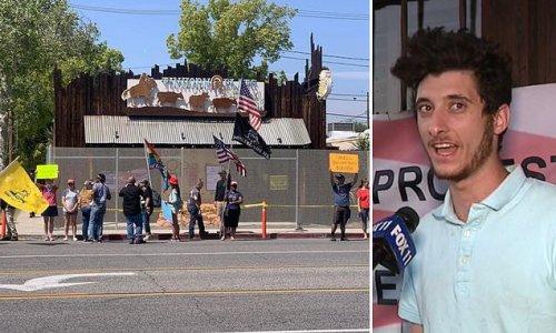 Burbank puts fence around restaurant whose owner violated lockdown