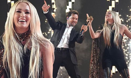 Carrie Underwood shows off Spanish while performing duet at Latin AMAs