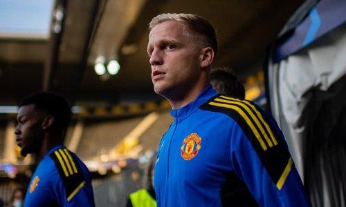 Don Hutchison tells Donny van de Beek to leave Manchester United