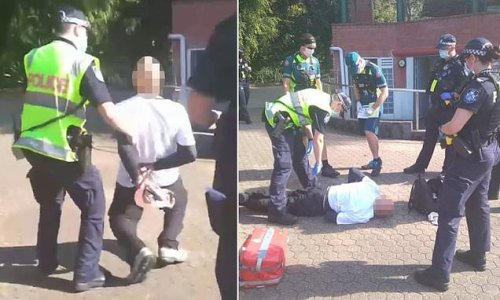 Elderly man collapses during arrest for not wearing Covid mask