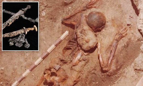 Skeleton found in Herculaneum deemed hero during Mt. Vesuvius eruption