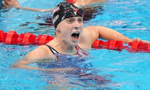 Katie Ledecky wins her SIXTH Olympic gold medal in 1500m freestyle