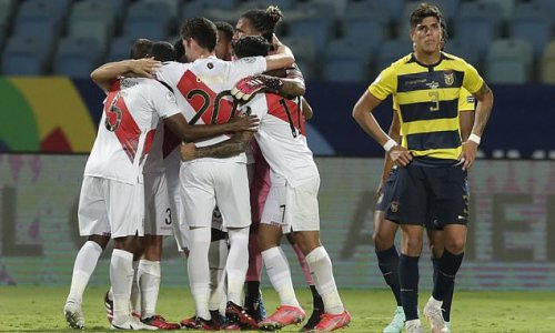 Peru fight back from two goals down to draw with Ecuador