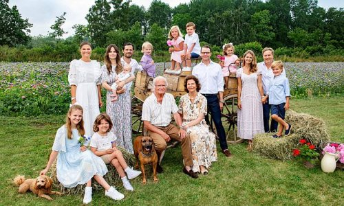 Swedish Royal Family share photo as they are reunited in Öland