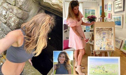 Amanda Owen shows off her trim physique after having NINE children