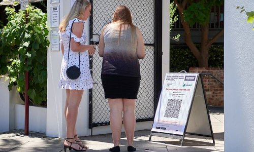 Huge crackdown on Aussie customers who refuse to scan Covid QR codes