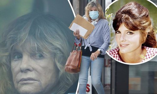 Katharine Ross, 81, of The Graduate looks fit in her skinny jeans