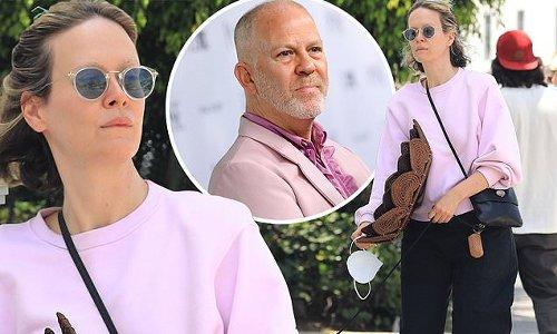 Sarah Paulson hides 'weight gain' for Linda Tripp role beneath sweats