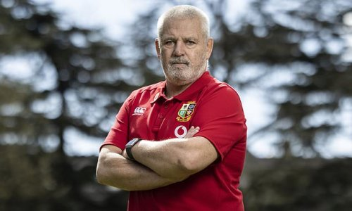 Warren Gatland: Vaccinating the Lions party would be a sign of 'unity'