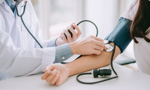 Women in 40s with high blood pressure at increased heart attack risk