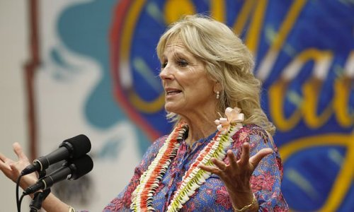 Jill Biden promotes vaccines and attracts anti-vax Trump supporters