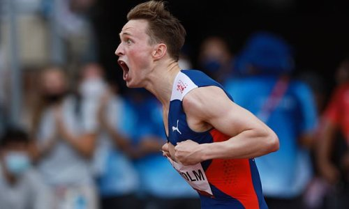 Warholm SMASHES world record to win gold in 400m men's hurdles final