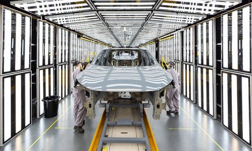 'Pingdemic' self isolation and chip shortage sees car outputs fall 40%