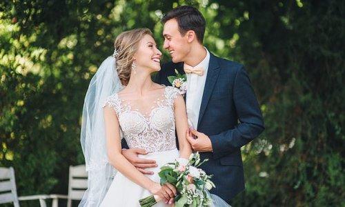 People warn bride against renting peacock for her wedding
