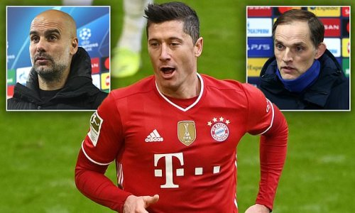 Chelsea and Man City 'to battle for Lewandowski this summer'