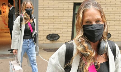 Sarah Jessica Parker leaves her shoe store in New York City