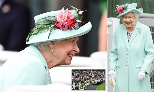 Beaming Queen arrives at Royal Ascot