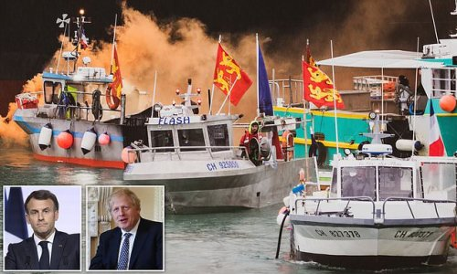 Boris and Macron's emergency 'peace talks' to end 'Battle of Jersey'