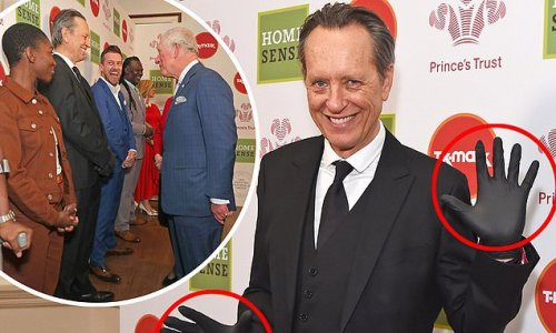 Onlookers shocked by Richard E Grant in gloves, mask to meet royalty