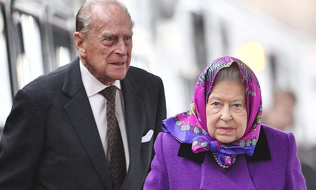 The Queen and Prince Philip are to leave Balmoral three weeks early