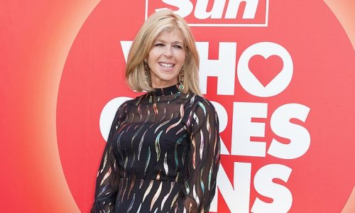Kate Garraway pays tribute to nurses at Who Cares Wins Awards