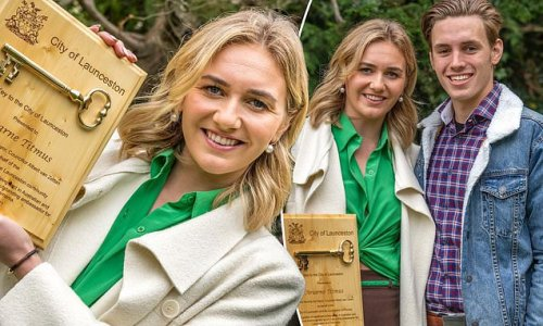 Olympian Ariarne Titmus receives the key to the City of Launceston