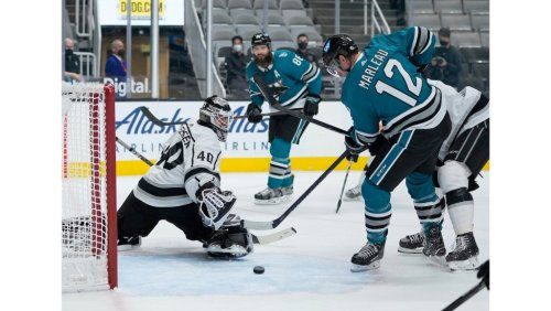 Martin Jones, Sharks take another bite out of Kings