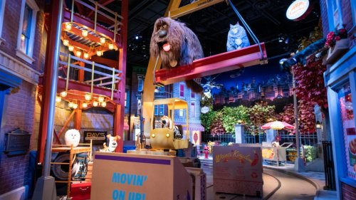Niles: Who's winning the theme park battle between Disney and Universal?