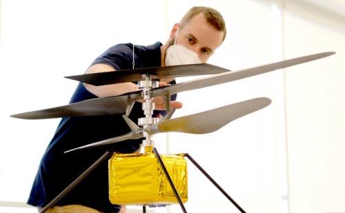 NASA delays historic flight of Mars helicopter Ingenuity ...