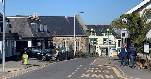 Fears Abersoch could be 'ghost town' for long periods as school decision looms