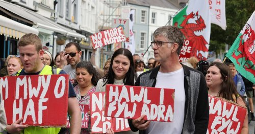 'I have no chance of living where I grew up' - Group marches over housing crisis