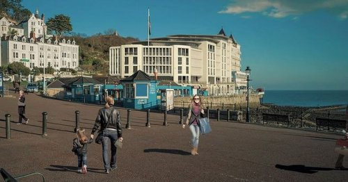 The luxury flats set to 'overshadow' iconic attraction and why people are angry