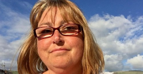 North Wales woman died after three 999 calls for an ambulance