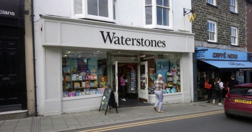 DPD driver asked by Welsh Waterstones to put on mask three times before he said he 'didn't need one'