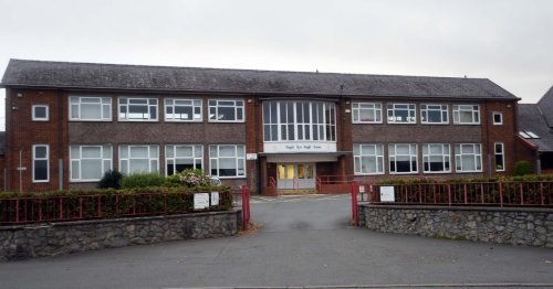 Entire sixth form self-isolating after pupil tests positive for Covid at Gwynedd secondary school