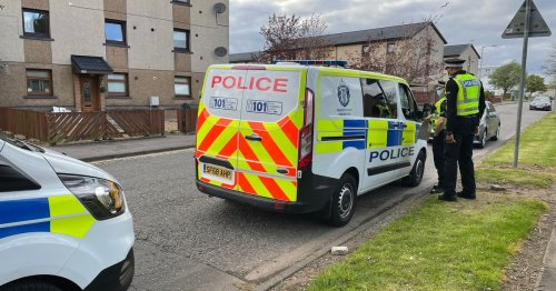 Man injured after robbery on Scots street as cops hunt five people seen in area