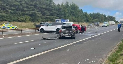 M8 crash causing travel chaos as four vehicles involved in motorway pile-up