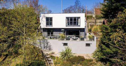 Edinburgh home on Water of Leith looks like luxury Spanish villa