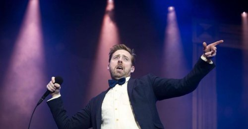 Ricky Wilson blasted by anti-vaxxers over onstage comments about covid jabs